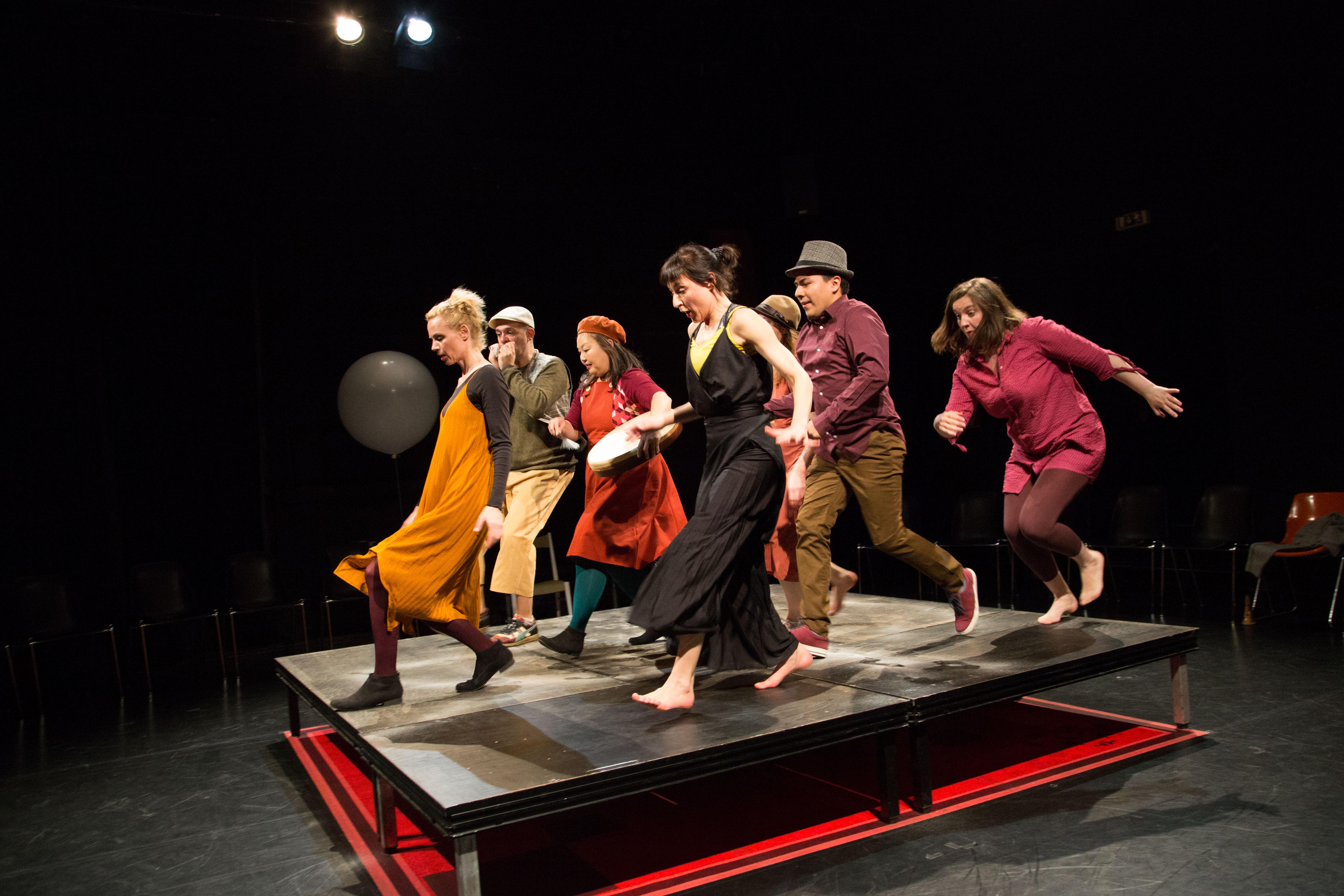 Passacaglia  Tanz durch die Gassen - Toihaus Theater | What