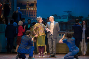 Mrs. Higgins (Marco Dott) & Hugh Pickering (Axel Meinhardt)