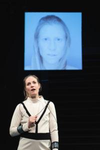Schäfer (Sophie Hichert) & Liz (Ingrid Adler) in SCHÄFERS ALL